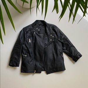Manteau en faux cuir pour enfant